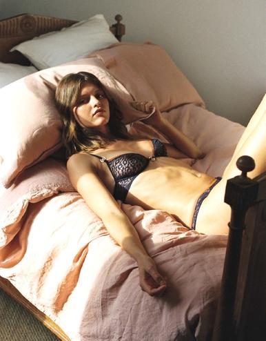 lingerie soutien-gorge avec armatures Milano Bleu Dark 39 € Girls In Paris photo 2