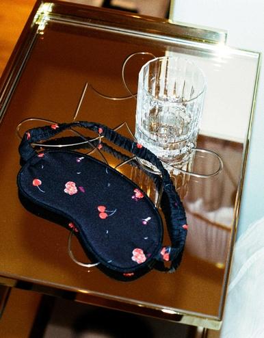 lingerie masque de nuit Charlie Cherry Griotte Dot 12 € Girls In Paris photo 1