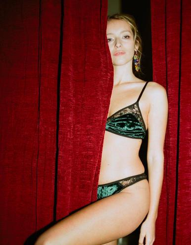 lingerie soutien-gorge sans armatures Very Velvet Green Queen 34 € Girls In Paris photo 2