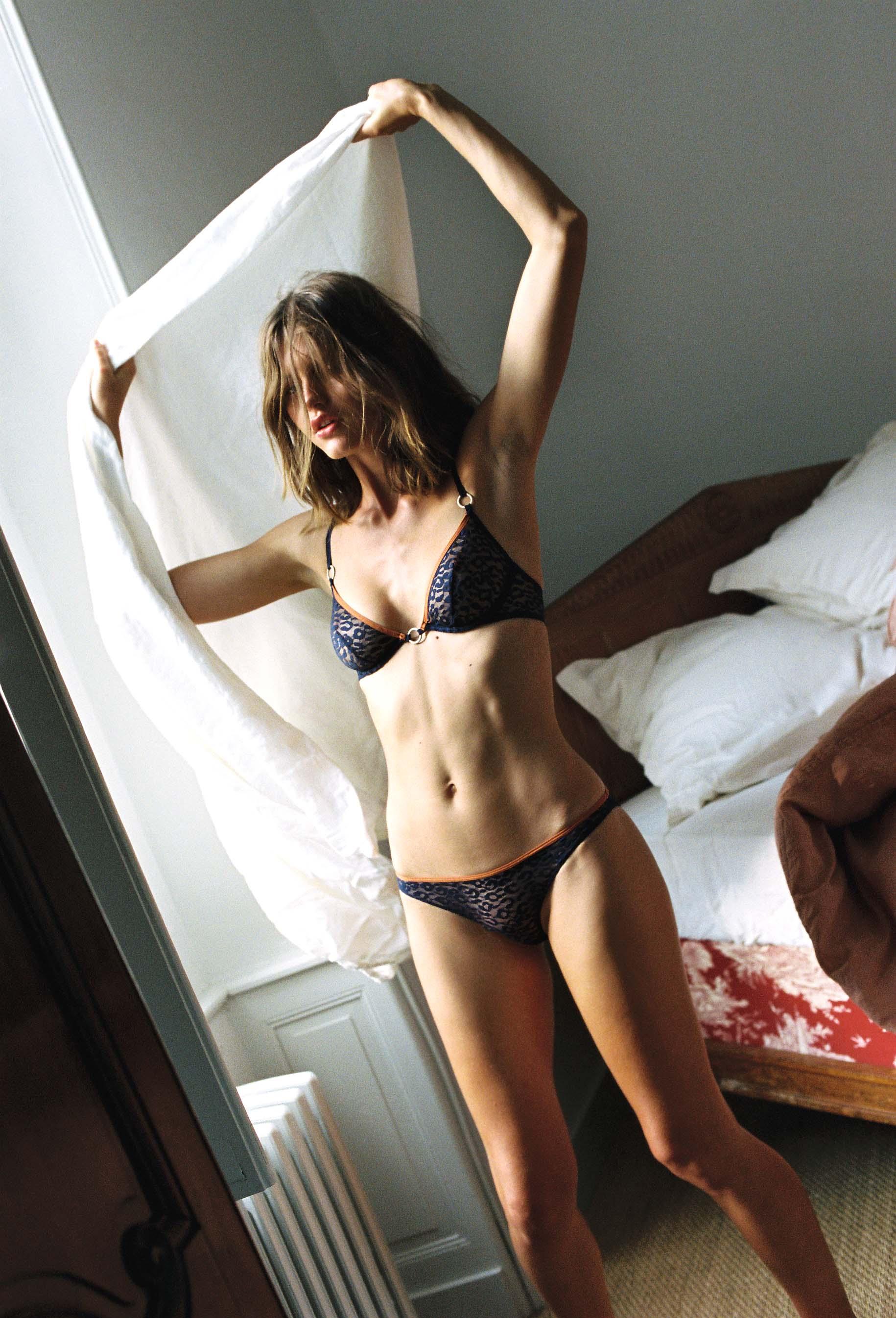 lingerie soutien-gorge avec armatures Milano Bleu Dark 39 € Girls In Paris photo 4