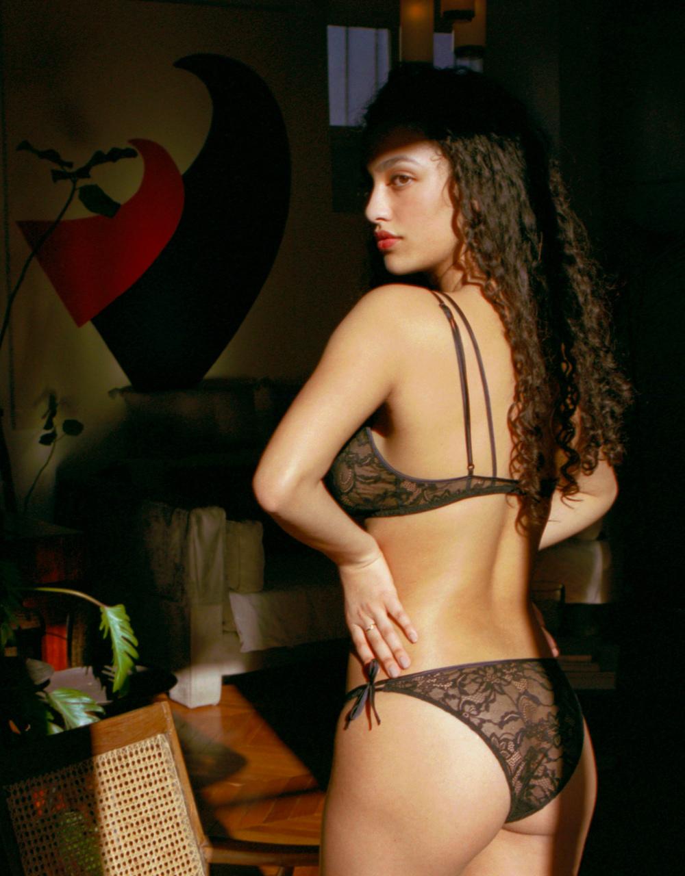 lingerie soutien-gorge sans armatures Black Tie Noir Forever 32 € Girls In Paris photo 2