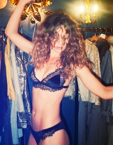 lingerie velvet non-wired bra Charlie Black Storm 29 € Girls In Paris