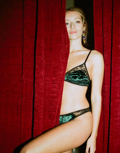 lingerie tanga Very Velvet Green Queen 20 € Girls In Paris