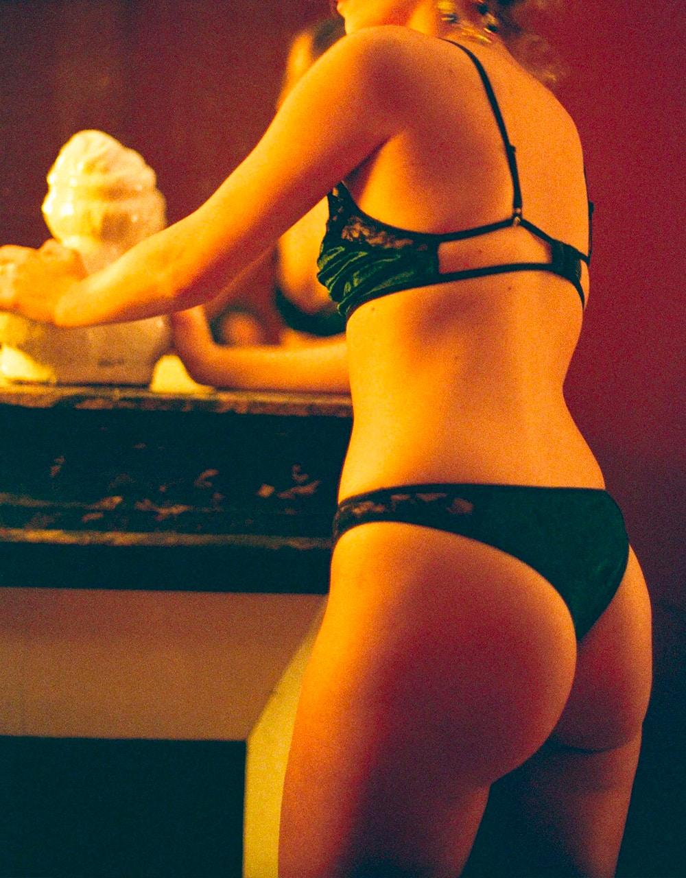 lingerie tanga Very Velvet Green Queen 20 € Girls In Paris photo 3